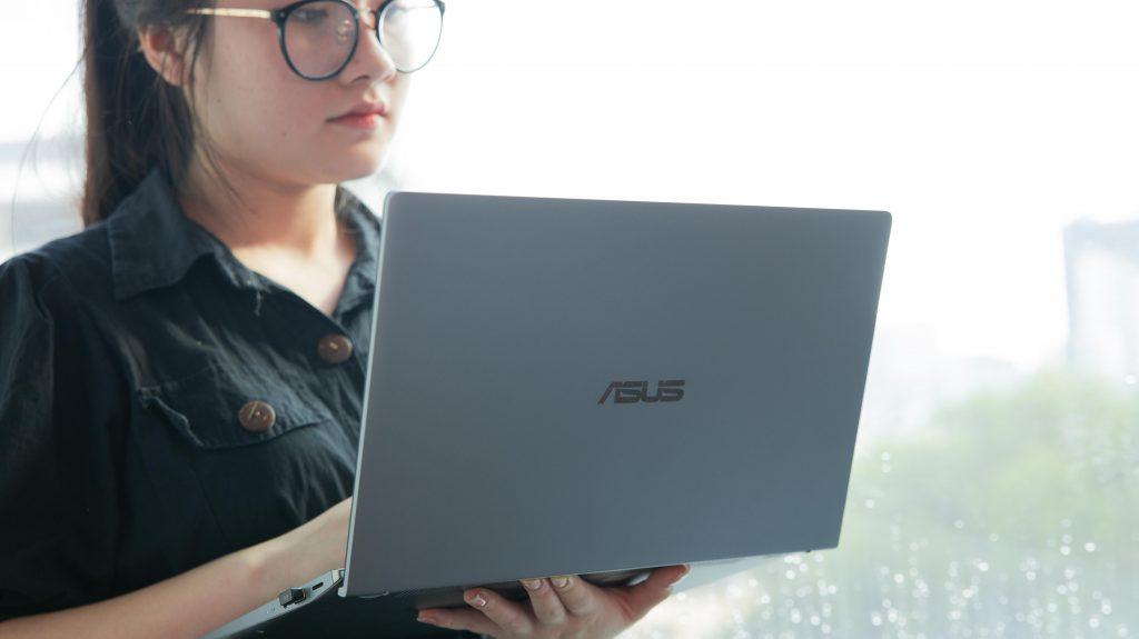 Một ngày với ASUS ZenBook 14 Q407iq
